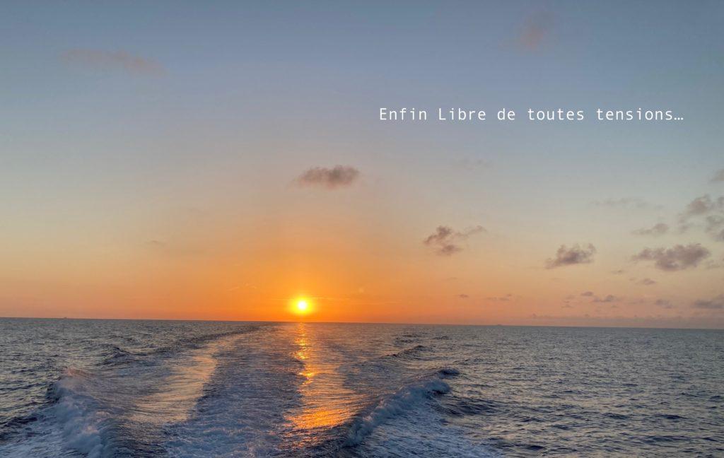 """""""Enfin libre de toutes tensions""""  Coucher de soleil en Mer Méditerranée"""